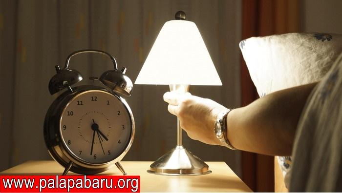 Manfaat Minum Air Hangat Sebelum Tidur